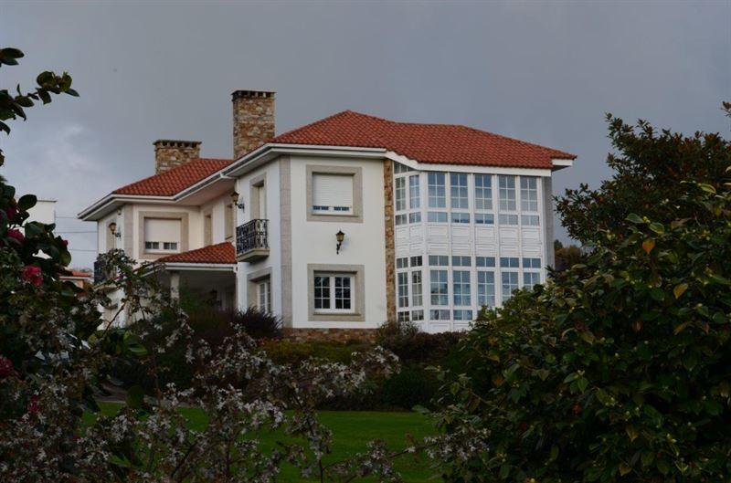 foto de Casa en venta en Oleiros  2