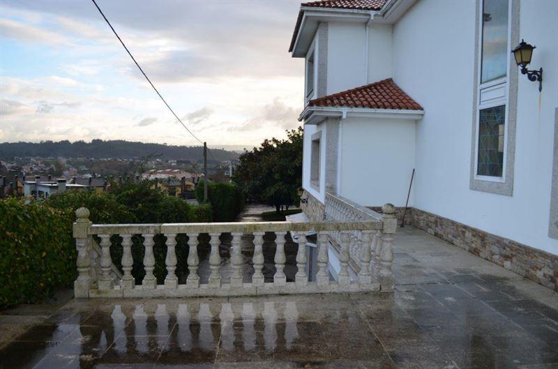 foto de Casa en venta en Oleiros  11