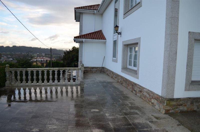 foto de Casa en venta en Oleiros  12