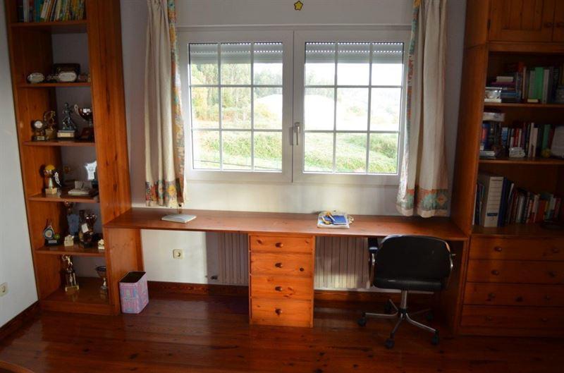 foto de Casa en venta en Oleiros  24