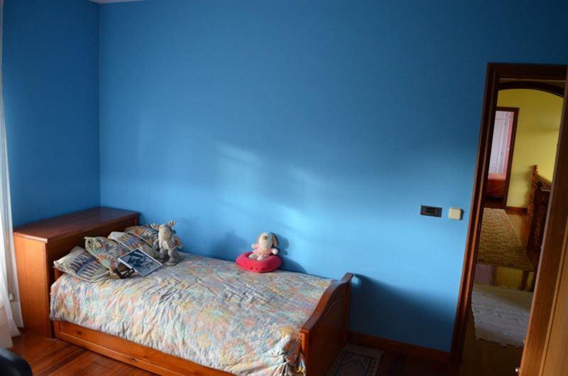 foto de Casa en venta en Oleiros  25