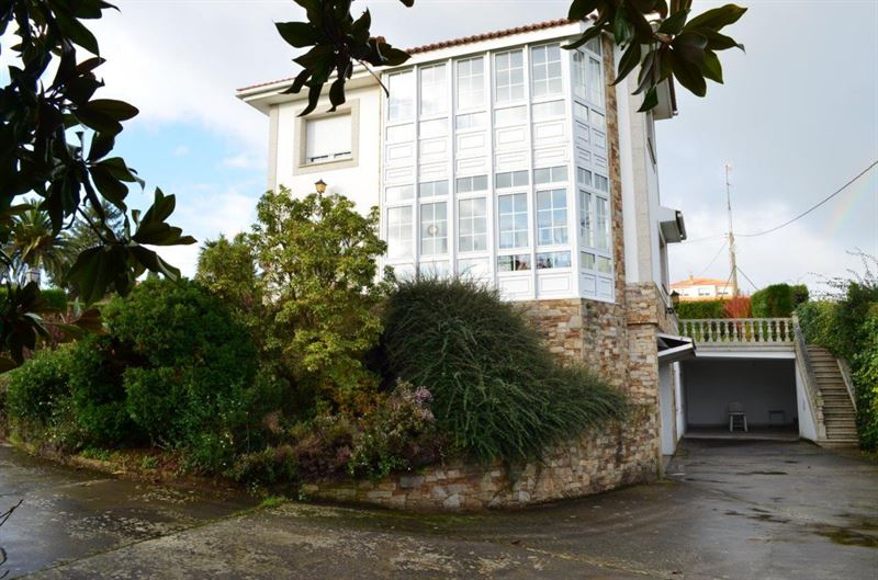 foto de Casa en venta en Oleiros  4