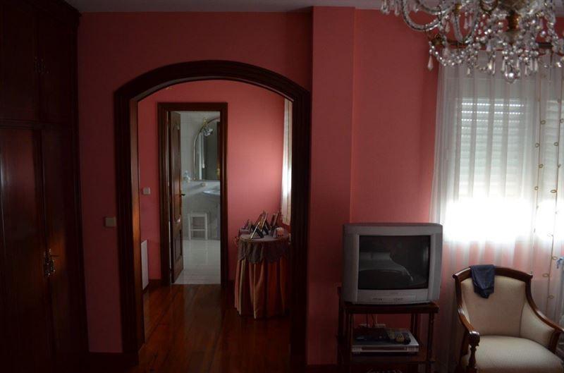 foto de Casa en venta en Oleiros  41