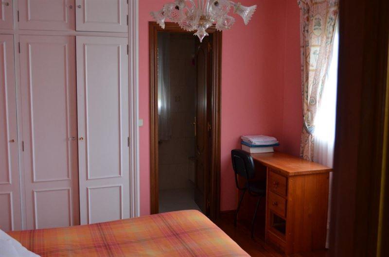 foto de Casa en venta en Oleiros  42