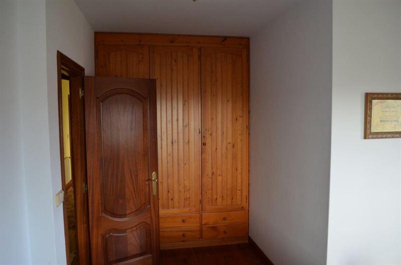 foto de Casa en venta en Oleiros  44