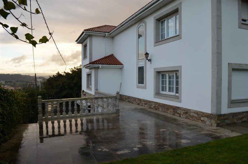 foto de Casa en venta en Oleiros  7