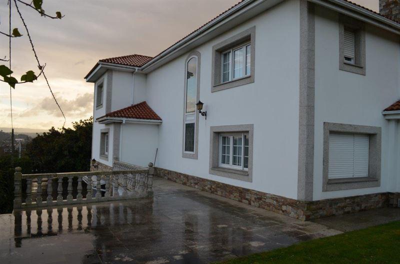 foto de Casa en venta en Oleiros  8