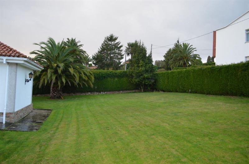 foto de Casa en venta en Oleiros  76