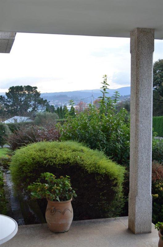 foto de Casa en venta en Oleiros  77