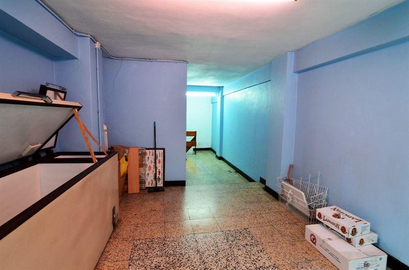 foto de Local comercial en alquiler en A Coruña  8