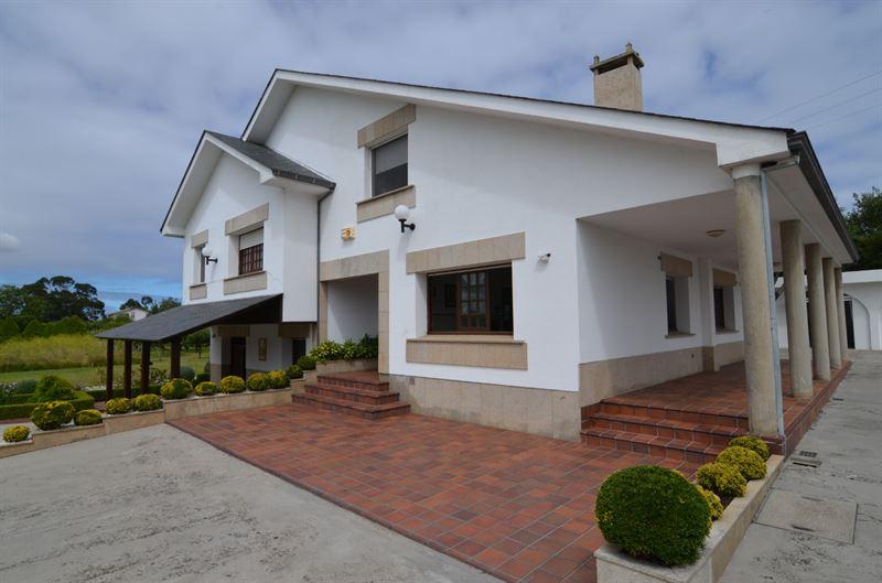 foto de Casa en venta en Oleiros  6