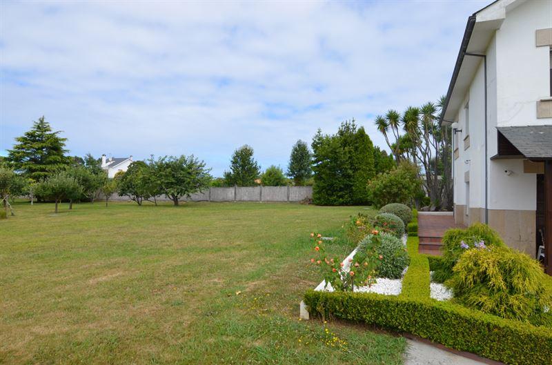 foto de Casa en venta en Oleiros  10
