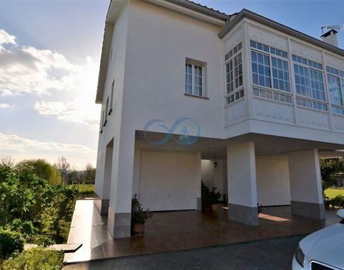 foto de Casa en venta en Bergondo  3